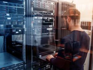 データベースエンジニアに未経験からなるためのステップ。仕事内容もあわせて紹介します!