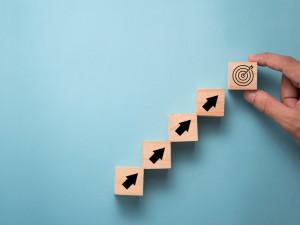 営業職が目標達成をするために必要な「スキルと分析力」を解説!